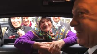 Yaşlı kadından Erdoğan'ın ''oyunu kime vereceksin'' soruna sürpriz yanıt