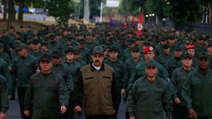 Venezuela lideri Maduro'dan gövde gösterisi
