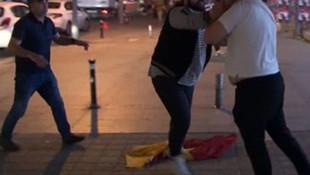 Bağdat Caddesi'nde Galatasaray taraftarına saldırı
