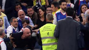 Yasemin Özilhan ve İzzet Özilhan, basket maçında saldırıya uğradı