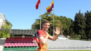 Lukas Podolski: Bu akşam tüm çaylar benden