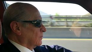 Devlet Bahçeli Ferdi Tayfur şarkısı eşliğinde Ankara'yı turladı