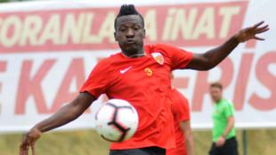 Asamoah Gyan 130 bin euroluk alacağı nedeniyle Kayserispor'a haciz gönderdi