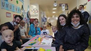 Çukur'un yıldızları kanser tedavisi gören çocukları ziyaret etti