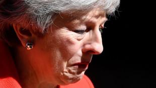 İngiltere Başbakanı May'den istifa kararı !