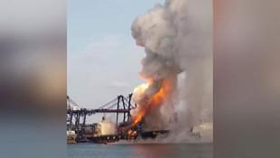 Kargo gemisi yandı: 130 kişi hastaneye kaldırıldı