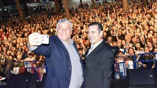 Sarıyerliler iftar sonrası Ferhat Göçer'le eğlendi