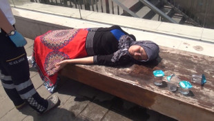 Taksim'de kadın turist sıcaktan bayıldı