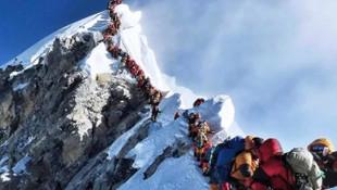 Everest'te 11 kişi öldü