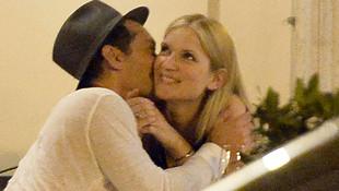 Jude Law ile Phillipa Coan gizlice evlendi