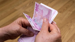 12 milyon emeklinin bayramı ikramiyeleri bugün ödeniyor