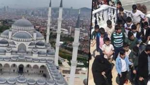 Çamlıca Camii'ne taşımalı öğrenciyle açılışı