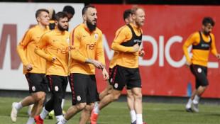 Galatasaray'da Beşiktaş maçı öncesi Kostas Mitroglou sakatlandı
