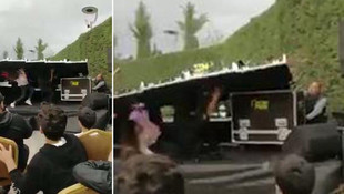 Konya'daki partide sahne devrildi