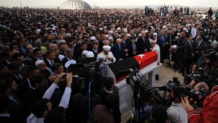 Fesli Kadir'in cenazesine kimler katıldı ?