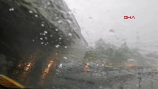 İstanbul'da dolu ve yağmur yağışı ! Gündüz geceye döndü