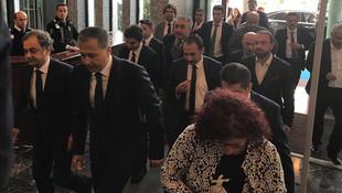 Vali ''vekaleten'' İBB başkanlığı görevine başladı