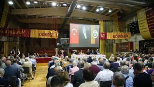 Sami Çölgeçen: Yıllar önce milli futbolcular Orhan Ak'ın evine zorla götürüldüklerini söyledi
