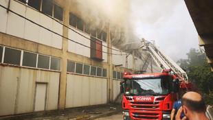 Pendik'te fabrikada korkutan yangın