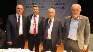 İABB üyeleri Başkan Fethi Yaşar'la  ''Devam'' dedi