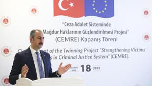 Adalet Bakanı: ''Düşüncesinden ötürü kimse cezaevine girmemeli''