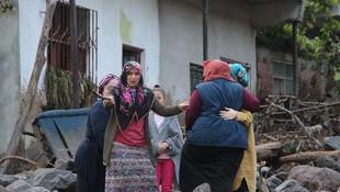 Trabzon'da sel: 3 ölü, 7 kayıp, 4 yaralı
