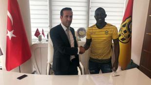Evkur Yeni Malatyaspor Moryke Fofana ile 2 yıllık sözleşme imzaladı