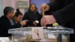 CHP'den seçmenlere ''anket'' uyarısı