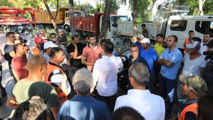 Konyaaltı Sahili'nde ''mavi bayrak'' krizi
