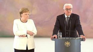 Almanya Başbakanı Merkel yine titredi