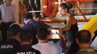 Mülteci yardım eden kaptana tutuklama