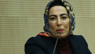 Nihal Olçok'tan ''imalı'' bayram kutlaması