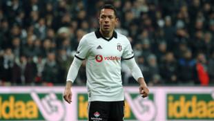 Beşiktaş'tan ayrılan Adriano, Sao Paulo ile anlaştığını açıkladı!