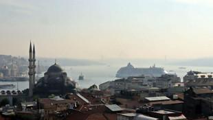 İstanbul'a 4 yıl aradan sonra ilk kruvaziyer gemisi