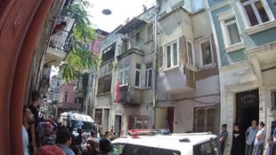 İstanbul'da bir genç kız çatıda ölü bulundu