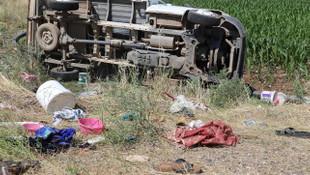 Tarım işçilerini taşıyan pikap devrildi: 5'i ağır 35 yaralı