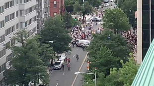 LGBT yürüyüşünde ortalık karıştı