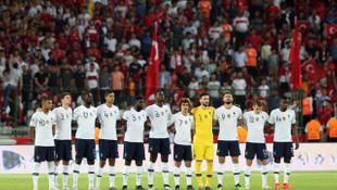 Emmanuel Macron: Türkiye maçında milli marşımızın ıslıklanması kabul edilemez