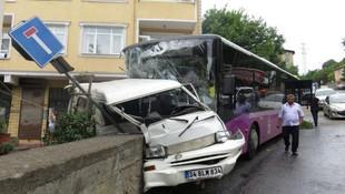 İstanbul'da ikinci halk otobüsü kazası: Yaralılar var
