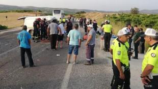 Manisa'da otobüsle minibüs çarpıştı: 6 ölü 20 yaralı