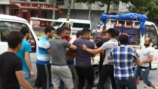İstanbul'da belediye önünde gergin anlar