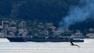 Rus gemisi boğazdan geçti