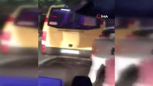 İstanbul'da dolmuşçuların turist kavgası kamerada