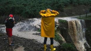 Düzce'de sel felaketi: 7 kişi için kayıp ihbarı geldi