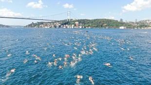 İstanbul Boğazı'nda yüzme yarışı