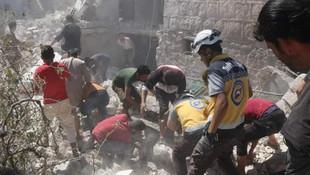Rus uçakları İdlib'de ölüm yağdırdı