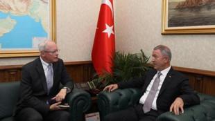 Bakan Akar'dan ABD ile kritik görüşme