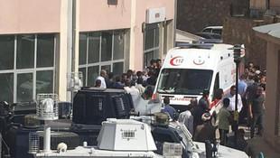 Hakkari'de sivil araca bombalı tuzak: Bir kişi öldü