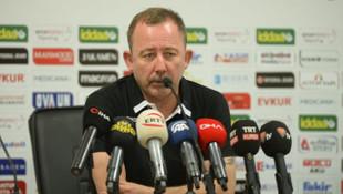 Sergen Yalçın: NK Olimpija Ljubljana elenmeyecek takım değil