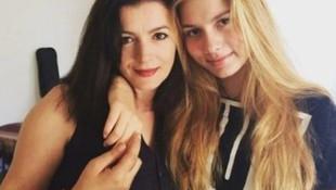 Aleyna Tilki ve annesi Havva Öztel şarkı söyledi